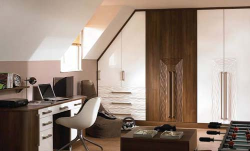 High Gloss White / Dark Walnut - Venice / Sahara Feature Doors