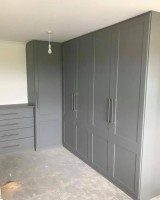 Extra Large 5 door fitted wardrobes with 4 draw chest of drawers