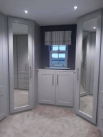 Large fitted bedroom unit